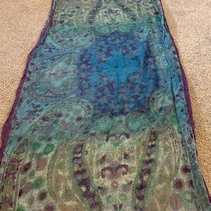 Silk blend! Pretty tapestry scarf
